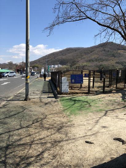 東北自動車道(下り)佐野サービスエリア内のドッグランの写真